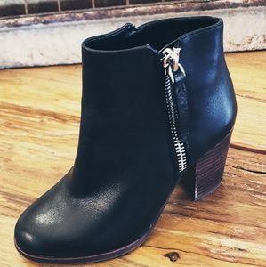 New! Gianni Bini Ankle Boot